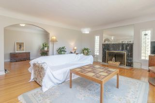Photo 14: 1099 Jasmine Ave in : SW Strawberry Vale House for sale (Saanich West)  : MLS®# 883448