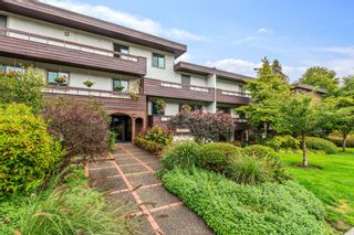 """Photo 1: 307 2025 W 2ND Avenue in Vancouver: Kitsilano Condo for sale in """"THE SEABREEZE"""" (Vancouver West)  : MLS®# R2620558"""