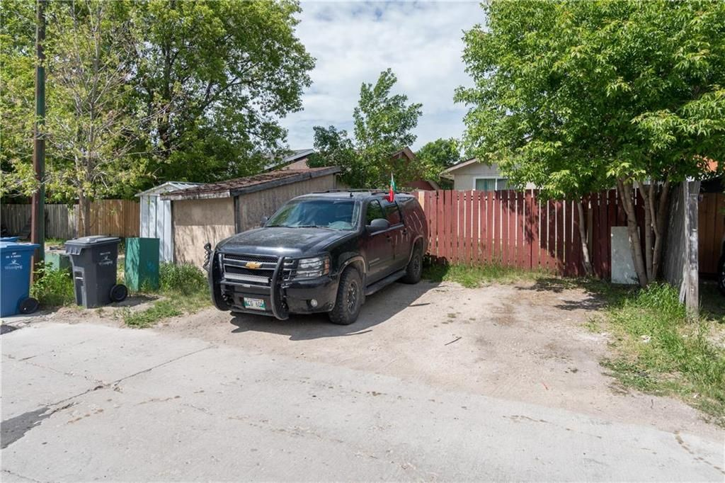 Photo 24: Photos: 1796 Jefferson Avenue in Winnipeg: Mandalay West Residential for sale (4H)  : MLS®# 202111323