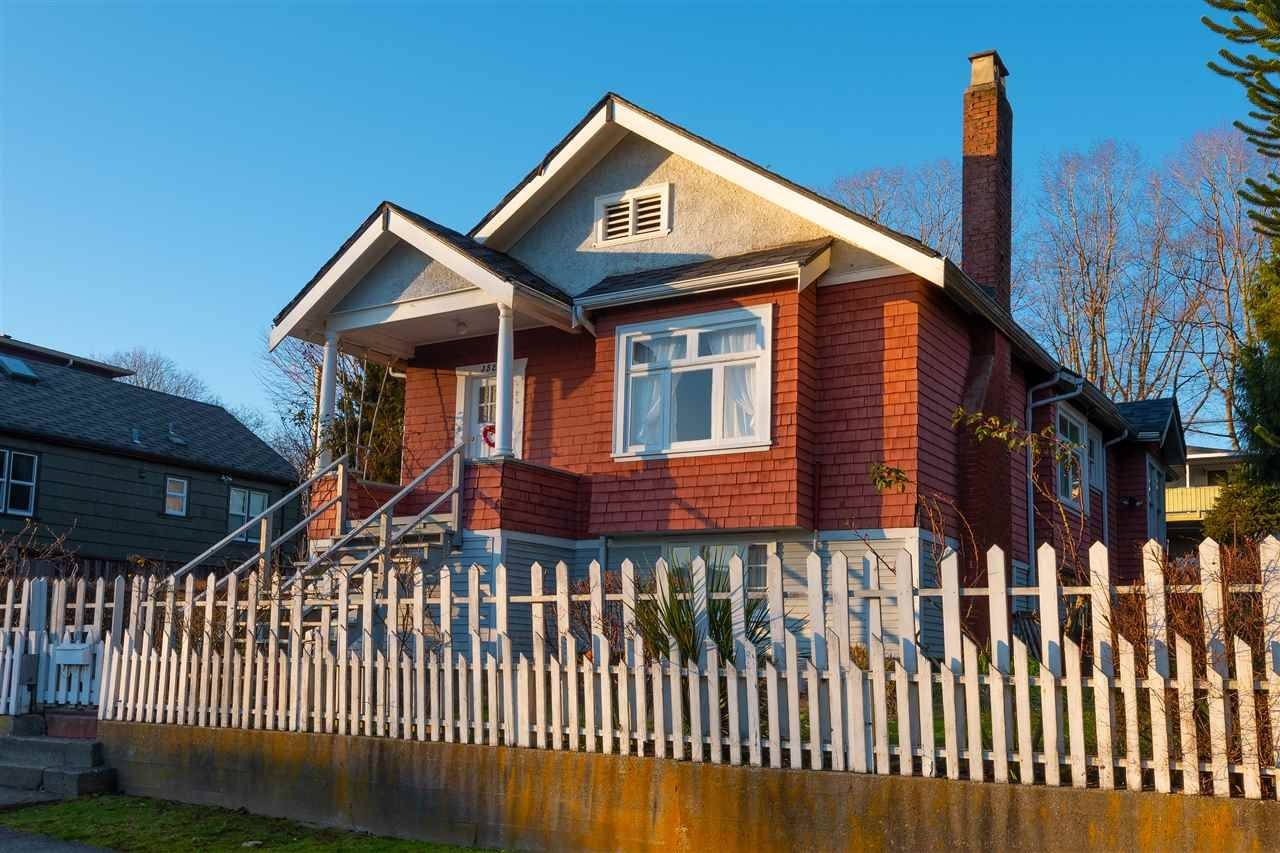 Main Photo: 3525 E GEORGIA Street in Vancouver: Renfrew VE House for sale (Vancouver East)  : MLS®# R2435328