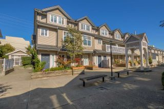 """Photo 1: 26 230 TENTH Street in New Westminster: Uptown NW Townhouse for sale in """"COBBLESTONE WALK"""" : MLS®# R2107717"""