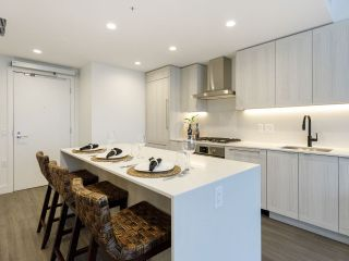 """Photo 4: 903 2311 BETA Avenue in Burnaby: Brentwood Park Condo for sale in """"WATERFALL - LUMINA"""" (Burnaby North)  : MLS®# R2541071"""