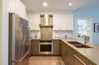 """Photo 5: 202 3399 NOEL Drive in Burnaby: Sullivan Heights Condo for sale in """"CAMERON"""" (Burnaby North)  : MLS®# R2385166"""