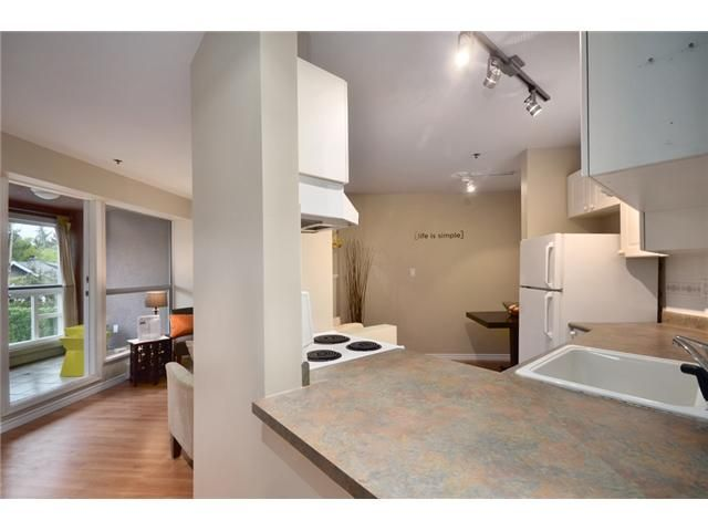 Photo 3: Photos: 307 2025 STEPHENS Street in Vancouver: Kitsilano Condo for sale (Vancouver West)  : MLS®# V980247
