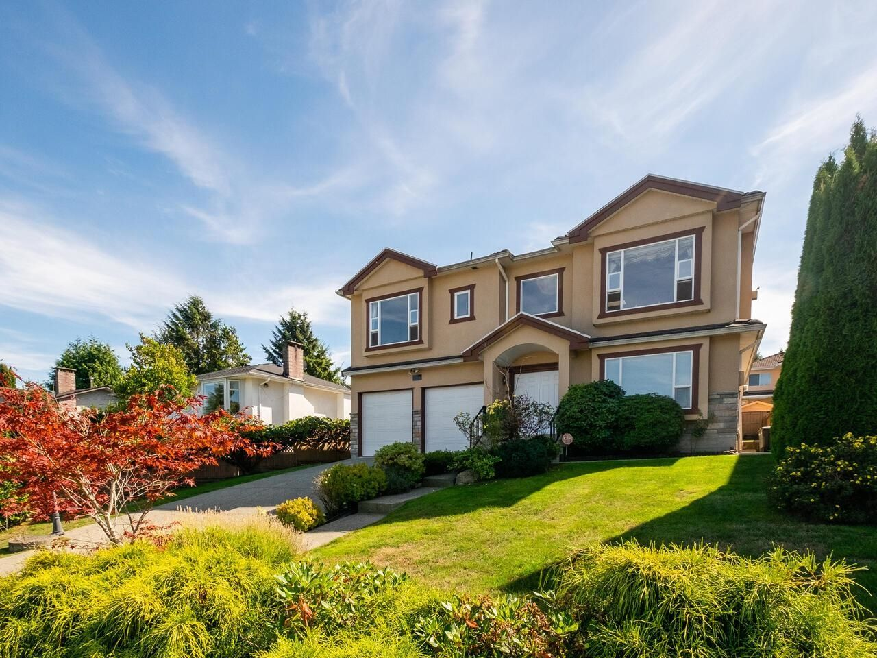 Main Photo: 5758 BURNS Place in Burnaby: Upper Deer Lake House for sale (Burnaby South)  : MLS®# R2618055