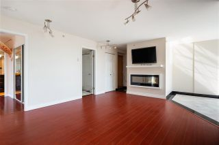 """Photo 3: 703 328 CLARKSON Street in New Westminster: Downtown NW Condo for sale in """"Highbourne Tower"""" : MLS®# R2585007"""