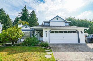 """Photo 1: 5882 169A Street in Surrey: Cloverdale BC House for sale in """"Richardson Ridge, Jersey Hill"""" (Cloverdale)  : MLS®# R2397193"""