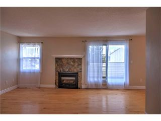Photo 6: 248 54 GLAMIS Green SW in Calgary: Glamorgan House for sale : MLS®# C4109785