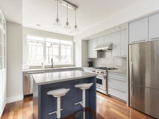 """Photo 13: 908 W 13TH Avenue in Vancouver: Fairview VW Townhouse for sale in """"Brownstone"""" (Vancouver West)  : MLS®# R2546994"""