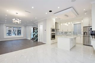 Photo 8: 5515 ARGYLE Street in Vancouver: Knight House for sale (Vancouver East)  : MLS®# R2353399