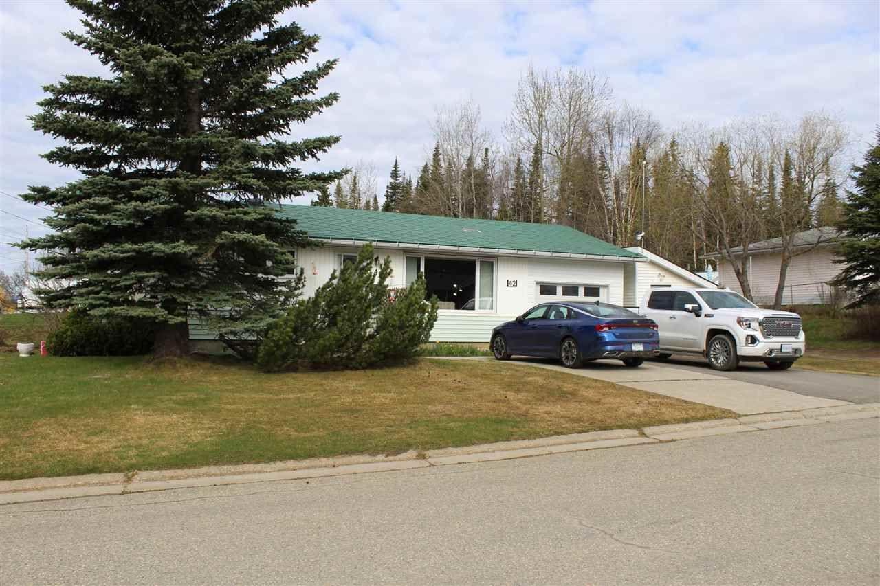 Main Photo: 42 BLACKWATER Crescent in Mackenzie: Mackenzie -Town House for sale (Mackenzie (Zone 69))  : MLS®# R2552881