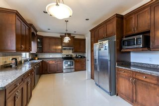 Photo 2: 3965 PRICE Street in Burnaby: Central Park BS 1/2 Duplex for sale (Burnaby South)  : MLS®# R2189673