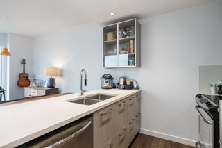 """Photo 7: PH4 983 E HASTINGS Street in Vancouver: Strathcona Condo for sale in """"STRATHCONA VILLAGE"""" (Vancouver East)  : MLS®# R2603443"""