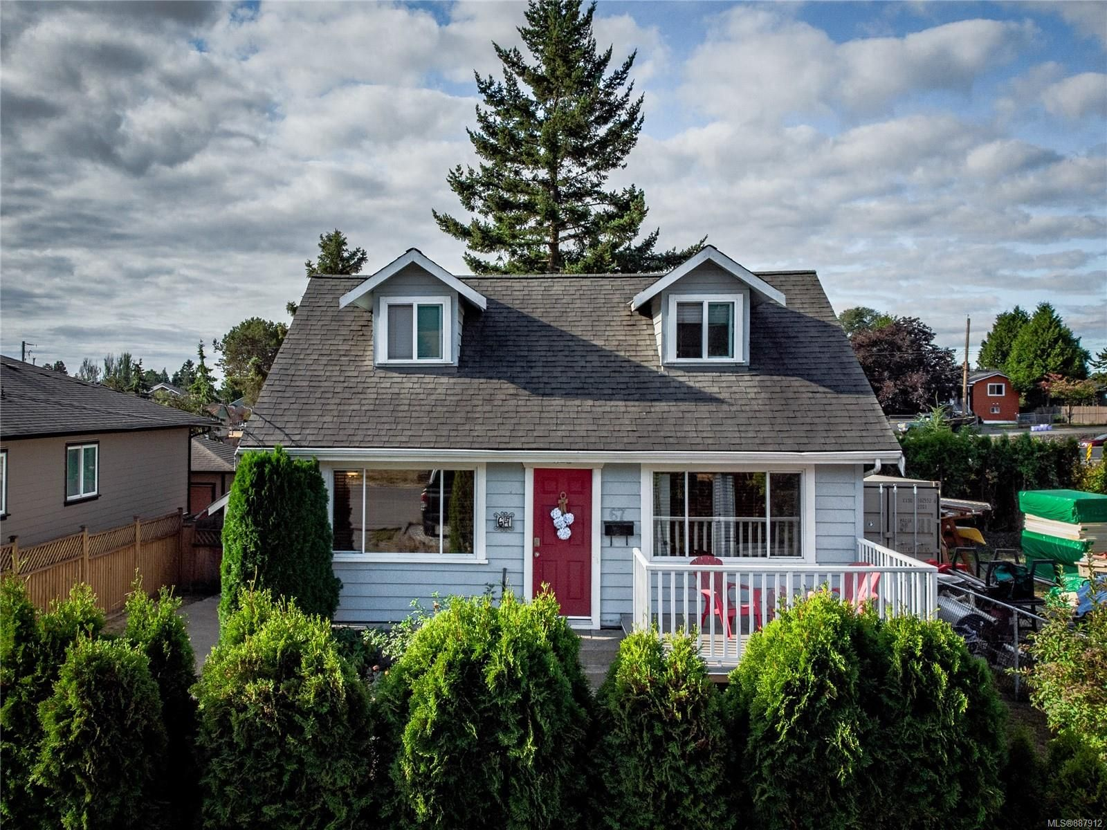 Main Photo: 67 Crease Ave in : SW Gateway House for sale (Saanich West)  : MLS®# 887912