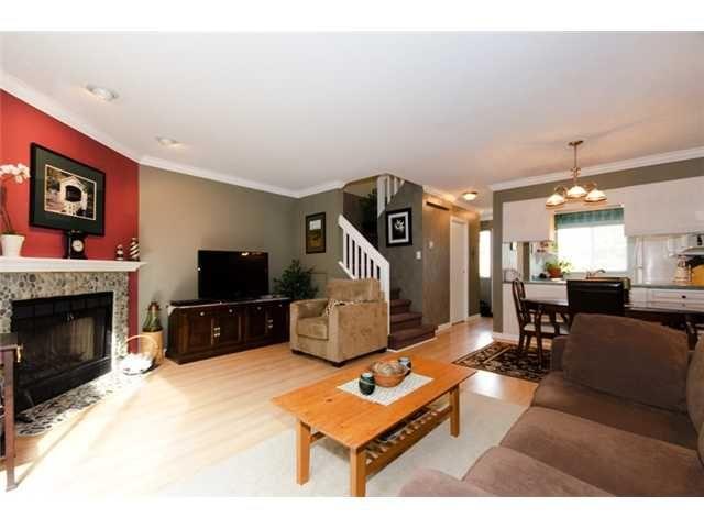 "Main Photo: 8 4220 STEVESTON Highway in Richmond: Steveston South Townhouse for sale in ""STEVESTON MEWS"" : MLS®# V904528"