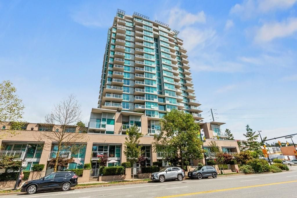"Main Photo: 1803 188 E ESPLANADE Avenue in North Vancouver: Lower Lonsdale Condo for sale in ""Esplanade at the Pier"" : MLS®# R2617573"