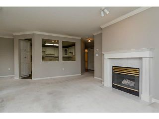 """Photo 5: 101 17730 58A Avenue in Surrey: Cloverdale BC Condo for sale in """"Derby Downs"""" (Cloverdale)  : MLS®# F1450852"""
