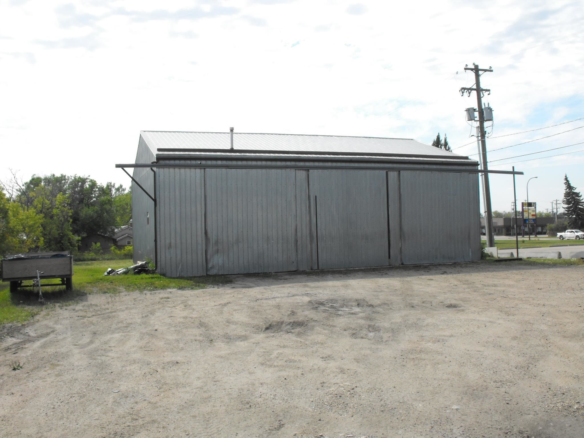 Main Photo: 4613 51 Avenue: Elk Point Industrial for sale : MLS®# E4261437