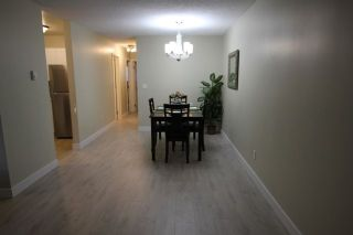 """Photo 8: 14821 HOLLY PARK Lane in Surrey: Guildford Townhouse for sale in """"HOLLY PARK LANE"""" (North Surrey)  : MLS®# R2226961"""