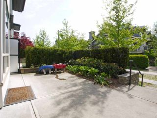 Photo 2: 102 7418 BYRNEPARK WALK in Burnaby: South Slope Condo for sale (Burnaby South)  : MLS®# R2072902
