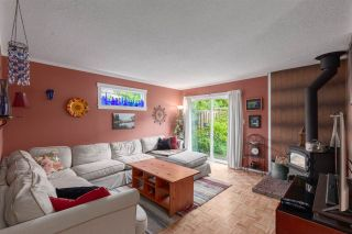 """Photo 2: 1 39752 GOVERNMENT Road in Squamish: Northyards Townhouse for sale in """"Mountain View Manor"""" : MLS®# R2509017"""