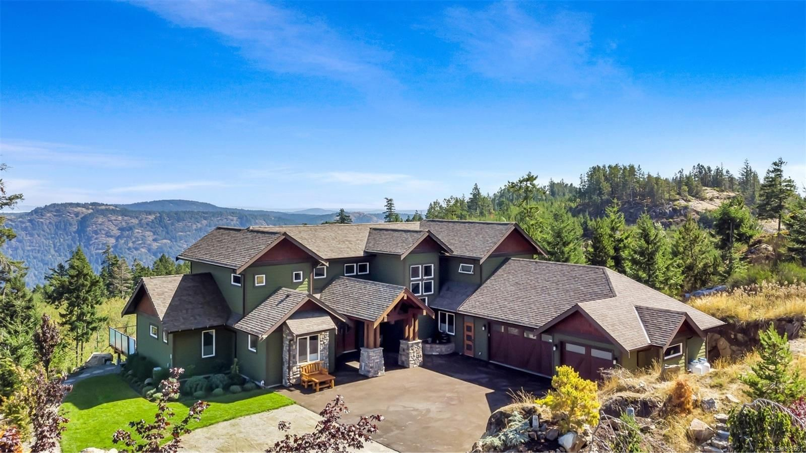 Main Photo: 4335 Goldstream Heights Dr in Shawnigan Lake: ML Shawnigan House for sale (Malahat & Area)  : MLS®# 887661