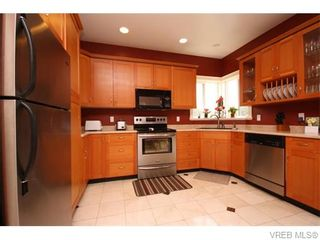 Photo 5: 3250 Normark Pl in VICTORIA: La Walfred House for sale (Langford)  : MLS®# 744654