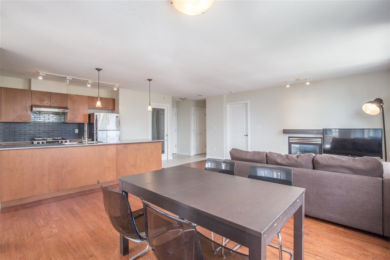 """Photo 7: Photos: 1102 4333 CENTRAL Boulevard in Burnaby: Metrotown Condo for sale in """"PRESEDIA"""" (Burnaby South)  : MLS®# R2388562"""