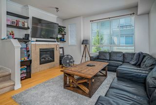 """Photo 4: 19 301 KLAHANIE Drive in Port Moody: Port Moody Centre Townhouse for sale in """"THE CURRENTS"""" : MLS®# R2601423"""