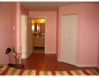 """Photo 6: 209 7038 21ST Avenue in Burnaby: Middlegate BS Townhouse for sale in """"THE ASHBURY"""" (Burnaby South)  : MLS®# V649378"""
