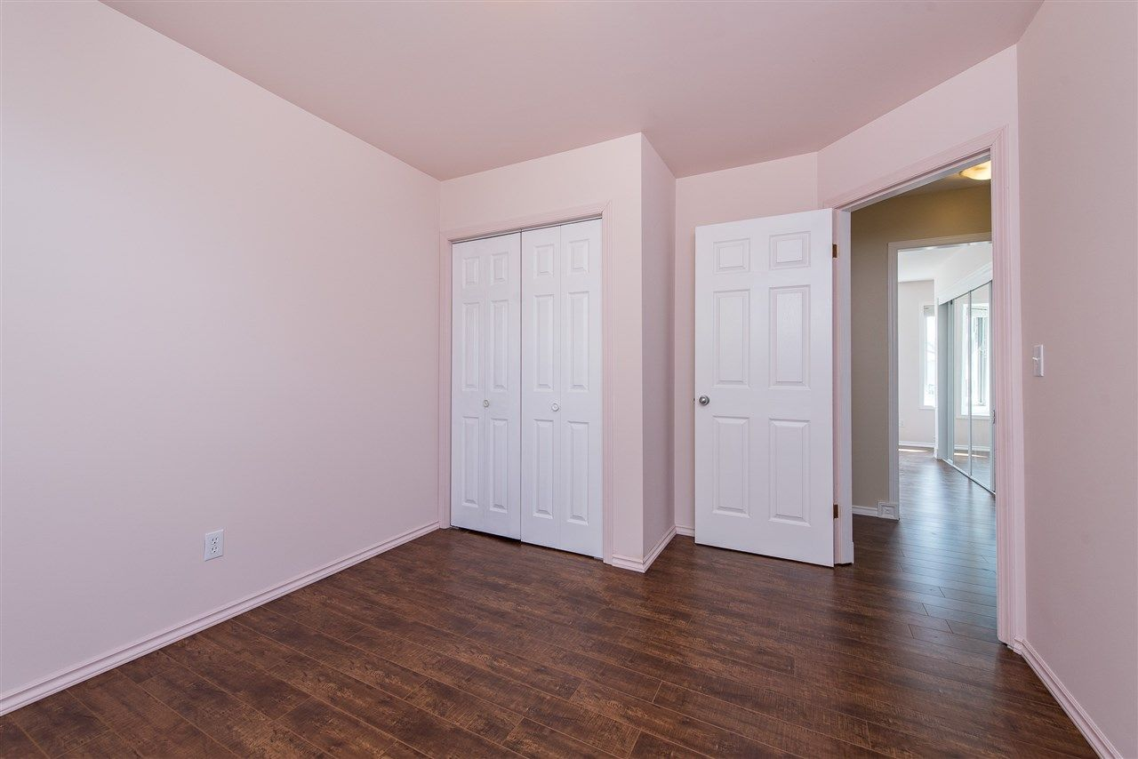 """Photo 22: Photos: 34717 5 Avenue in Abbotsford: Poplar House for sale in """"Huntingdon Village"""" : MLS®# R2483870"""