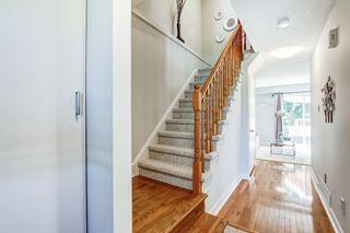 Photo 4: 2216 Hunt Crescent in Burlington: Headon House (2-Storey) for sale : MLS®# W4891584