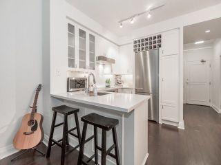 Photo 7: 20 Scrivener Sq Unit #321 in Toronto: Rosedale-Moore Park Condo for sale (Toronto C09)  : MLS®# C3670235