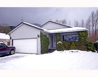 Photo 1: 1044 EDGEWATER Crescent in Squamish: Northyards House for sale : MLS®# V686672