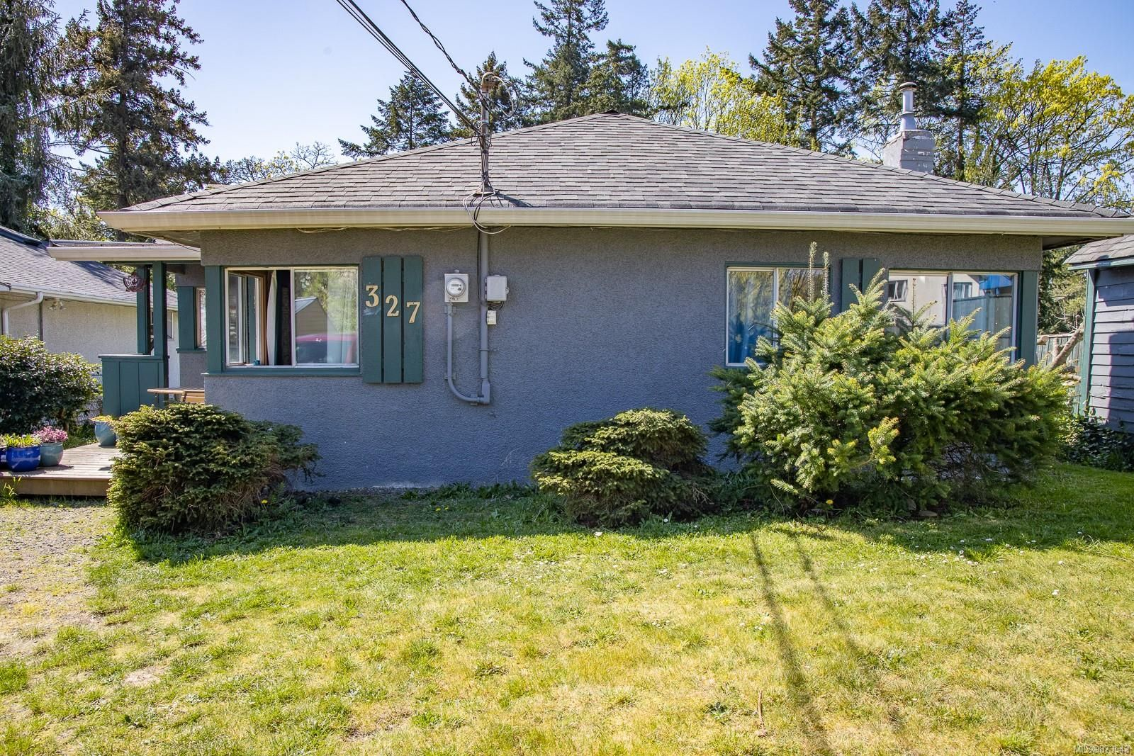 Main Photo: 327 St. George St in : Na Central Nanaimo House for sale (Nanaimo)  : MLS®# 873543