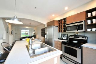 Photo 8: 49 15833 26 Avenue in Surrey: Grandview Surrey Townhouse for sale (South Surrey White Rock)  : MLS®# R2108980