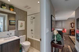 """Photo 15: 607 150 W 15TH Street in North Vancouver: Central Lonsdale Condo for sale in """"15 West"""" : MLS®# R2521497"""
