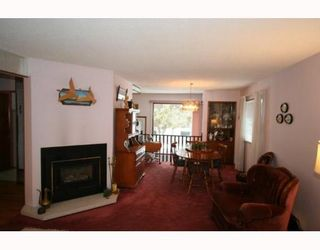 Photo 5: 7507 HUNTRIDGE Crescent NE in CALGARY: Huntington Hills Residential Detached Single Family for sale (Calgary)  : MLS®# C3398976