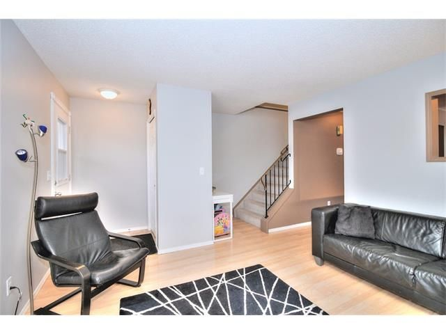 Photo 7: Photos: 108 SHAWGLEN Road SW in Calgary: Shawnessy House for sale : MLS®# C4038520