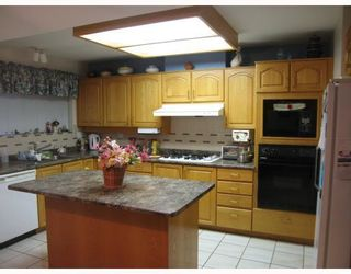 """Photo 5: 17 7711 WILLIAMS Road in Richmond: Broadmoor Townhouse for sale in """"THE GATES"""" : MLS®# V747815"""