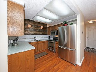 Photo 12: 99 BERNARD Court NW in Calgary: Beddington Heights Detached for sale : MLS®# C4215187