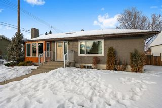 Photo 1: 42 Gladeview Crescent SW in Calgary: Glamorgan Detached for sale : MLS®# A1057775