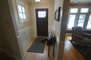 Photo 2: 3207 ALFEGE Street SW in Calgary: Upper Mount Royal Detached for sale : MLS®# A1055978