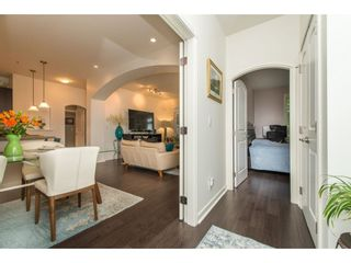 """Photo 3: 202 33485 SOUTH FRASER Way in Abbotsford: Central Abbotsford Condo for sale in """"Citadel"""" : MLS®# R2474931"""