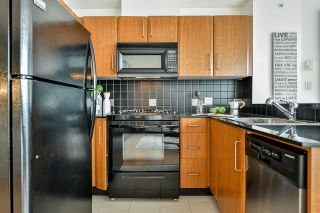 """Photo 3: 2505 501 PACIFIC Street in Vancouver: Downtown VW Condo for sale in """"THE 501"""" (Vancouver West)  : MLS®# R2436653"""