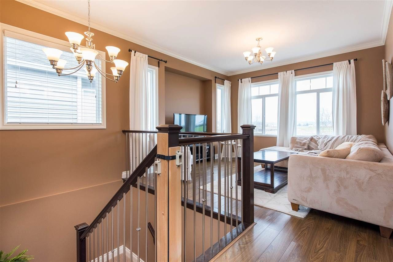 """Photo 7: Photos: 34914 2 Avenue in Abbotsford: Poplar House for sale in """"Huntingdon Village"""" : MLS®# R2548984"""