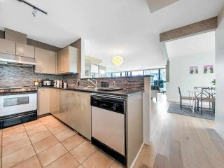 "Photo 11: 2701 1331 ALBERNI Street in Vancouver: West End VW Condo for sale in ""THE LIONS"" (Vancouver West)  : MLS®# R2576100"