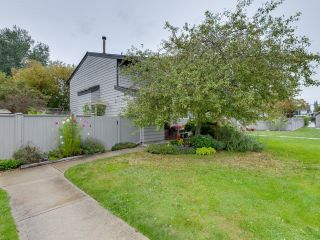 "Photo 29: 5019 57 Street in Delta: Hawthorne Townhouse for sale in ""GREEN ROAD VILLAGE"" (Ladner)  : MLS®# R2618138"