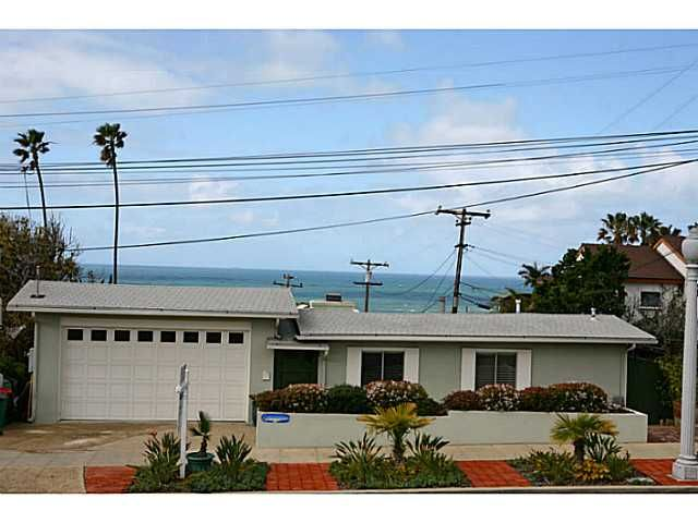 Main Photo: POINT LOMA House for sale : 4 bedrooms : 1034 Novara Street in San Diego