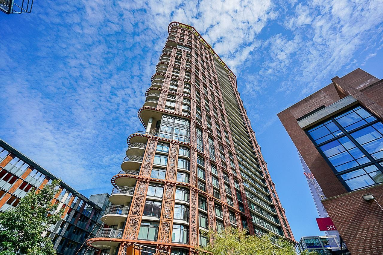 """Main Photo: 3709 128 W CORDOVA Street in Vancouver: Downtown VW Condo for sale in """"WOOWARD W43"""" (Vancouver West)  : MLS®# R2620215"""